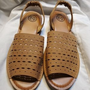 SO .  Authentic  American Heritage Sandals.